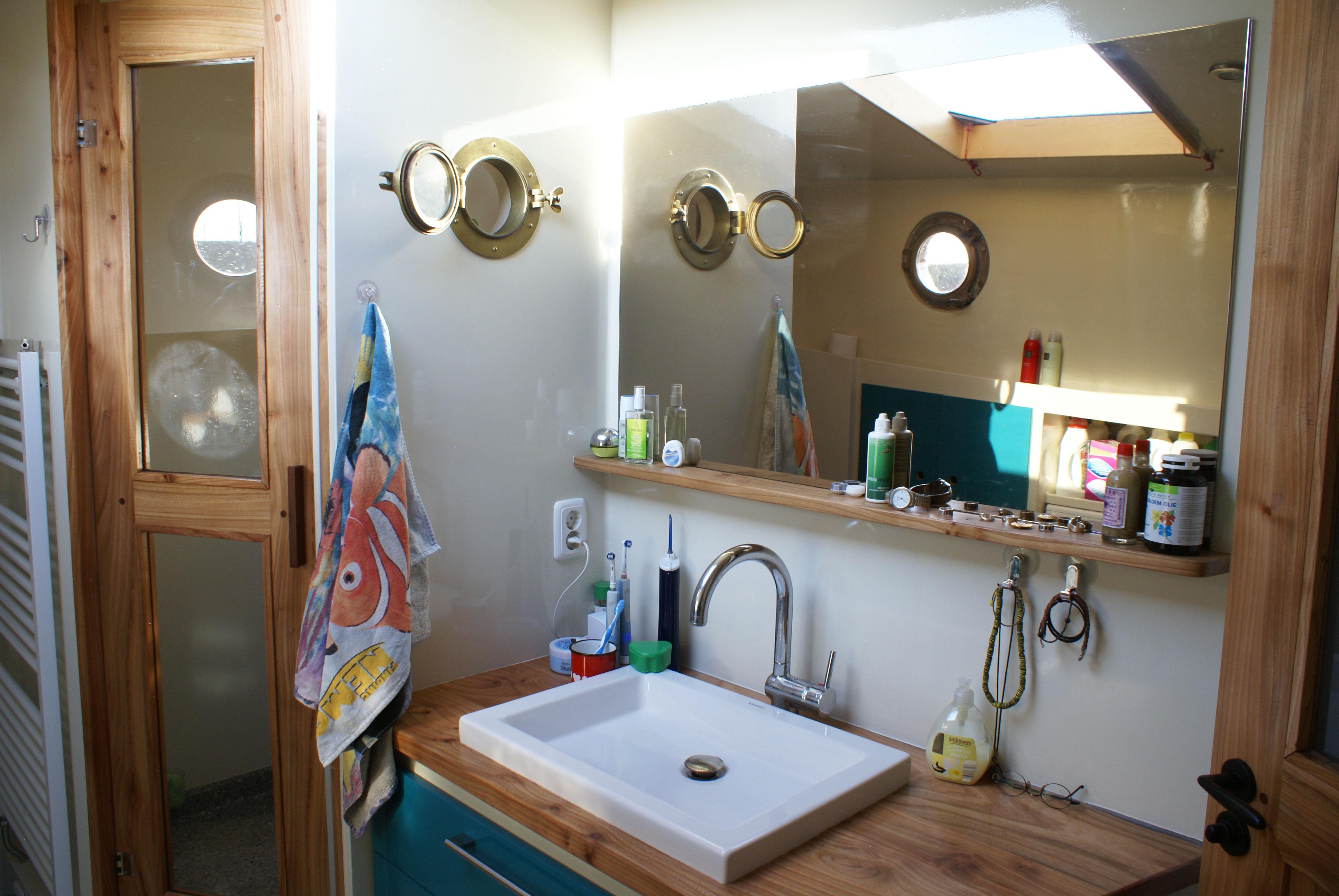 Badkamer epoxy badkamer ontwerp idee n voor uw huis samen met meubels die het - Badkamer desi ...